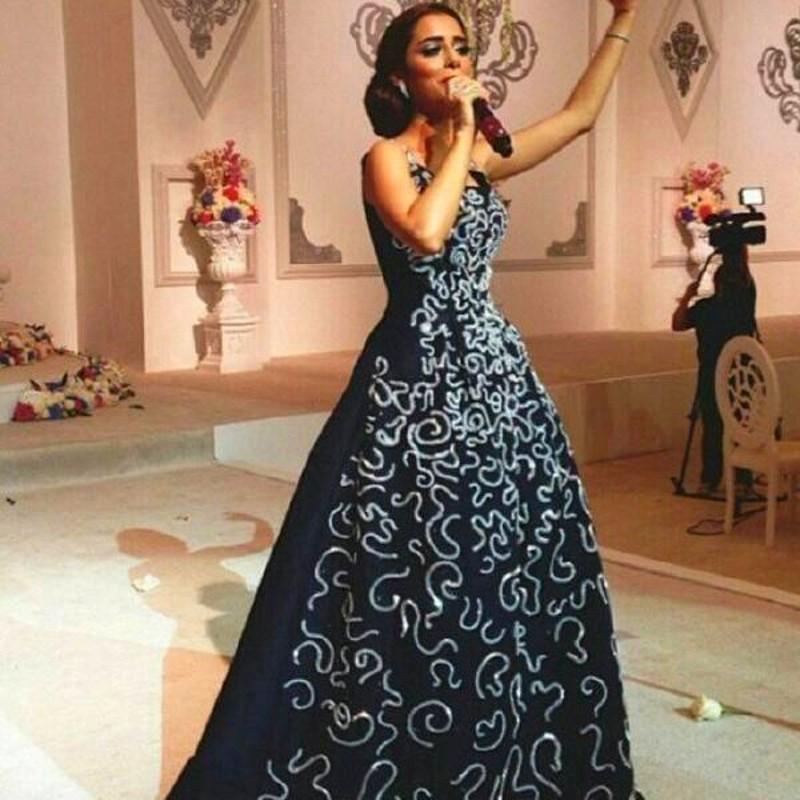 2016 블랙 이브닝 드레스 라인 사우디 아라비아 구슬 바닥 길이 새틴 파티 드레스 공식 드레스