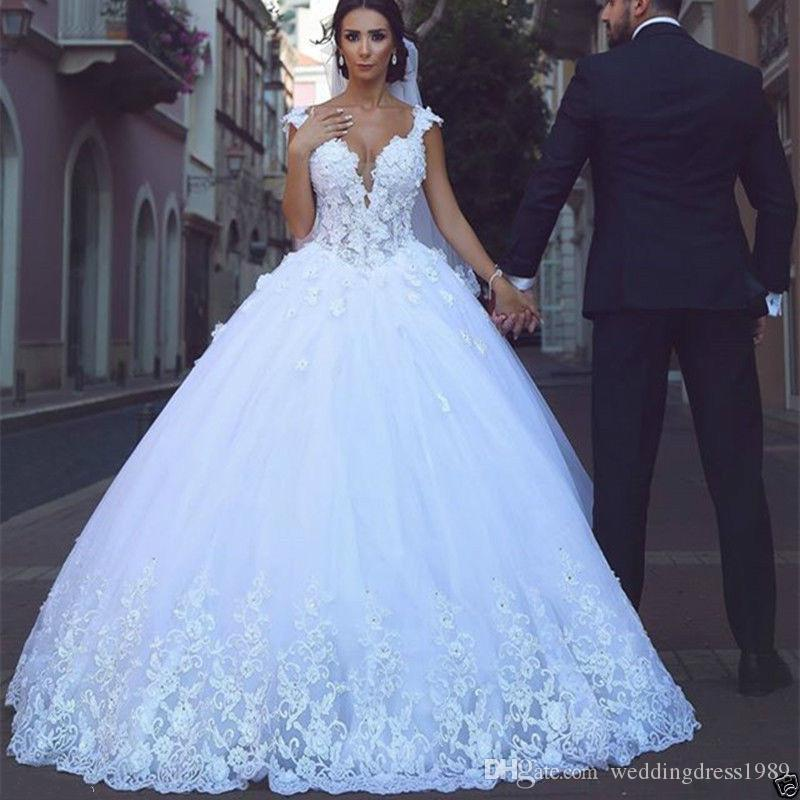 Beautiful V-Neck Applique Lace Wedding Dresses Plus Size Capped A-Line Tulle Saudi Arabia Dubai African Bridal Gowns Ball Formal Custom