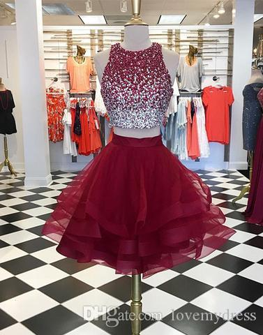 Short Burgund Prom Dress 2019 Zwei Stücke Günstige Jewel Neck Bling Perlen Mieder Rüschen Röcke Organza Homecoming Party Kleider Kleider Formal