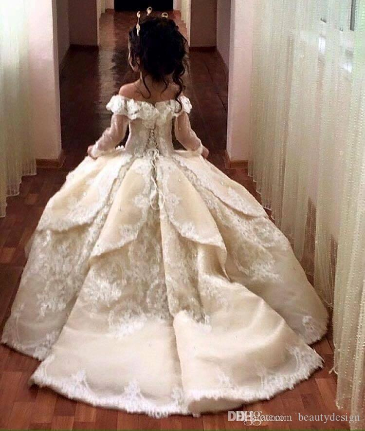 Prinsessan utanför axelbollklänningen blomma flicka klänningar speciellt tillfälle för bröllop golvlängd barn pageant klänningar kommunion klänning