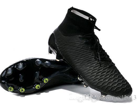 The New Carbon Fiber CR7 Football Boots ACC Football Shoes Football ... cd40b3e49c