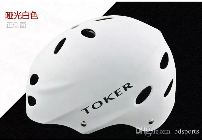 Wholesale-Professional hip-hop boy helmet skateboard skating helmet bicycle helmet for kids and adults