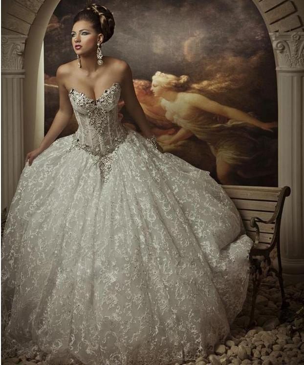 Najnowsze Design Royal Dramatyczne Koronki Bling Kryształy Zroszony Suknie Ślubne Suknie Ślubne Wysokiej Jakości Aplikacje Gorgeous Ogłupi