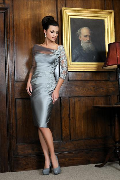Distinctive Silver Sheath Mother of the Bride Lace Dresses Knee-length 3/4 Long Sleeves Short Evening Dress Customize Wedding Party Dresses