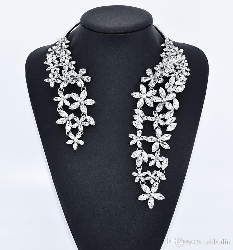 Luxury Big Necklace for Women Fashion Novelty Jewelry with Flower Crystal and Gem Maxi Statement Choker 1 pc Cuff Collar Choker