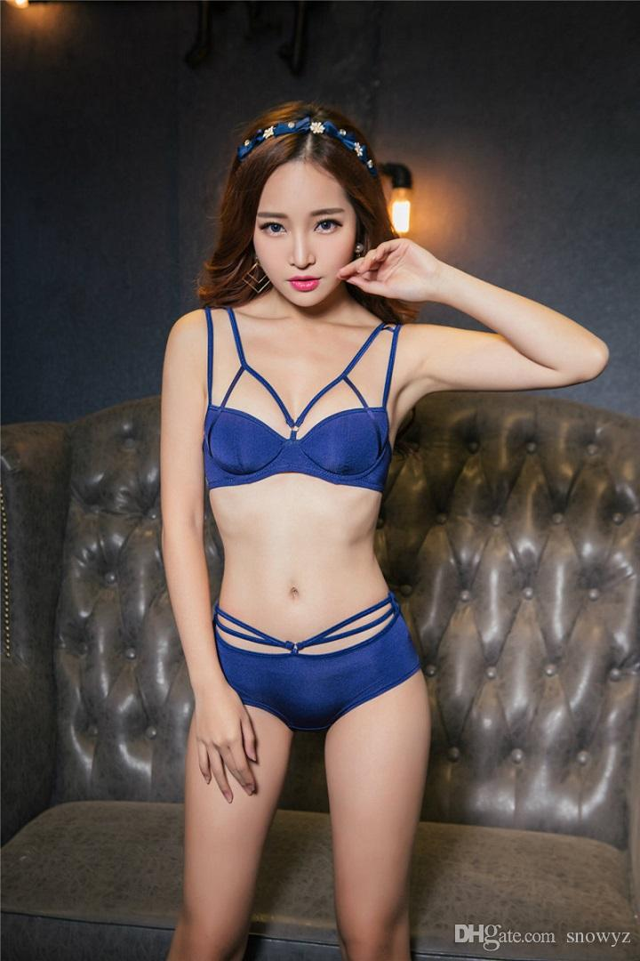 0bfa78c004794 2019 Sexy Bra Panty Set Special Design Hot Girls Photos Before The Cross  Cut Sexy Back Gather Bra Set From Snowyz