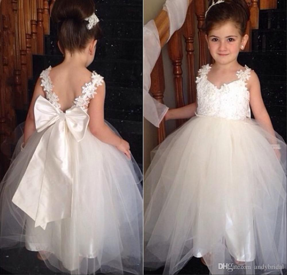 2015 Flower Girls Dresses with Straps Sweetheart Wedding Bridal Daughter's Princess Gowns Little Bride Cheap Flower Girls' Dresses with Bow