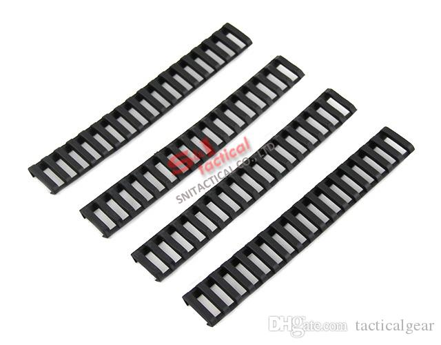 Tactical 7 pulgadas Picatinny Ladder Rail cubiertas de carril paquete de 4 Negro / Tan