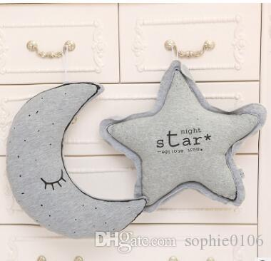 Nette Kinderzimmer Plüschtier Baby Kissen Kissen Dekor Stofftiere Kleine Glühbirne Star Moon Ghost Owl Kreative Weihnachtsgeschenke Dekoration