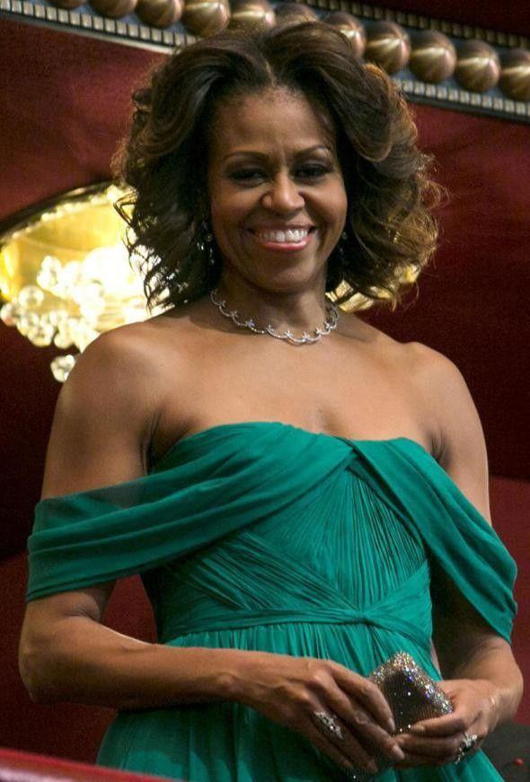 Michelle obama vestidos de noite chiffon verde da celebridade uma linha de tapete vermelho plissado fora do ombro projetos exclusivos comprimento total vestido de celebridades