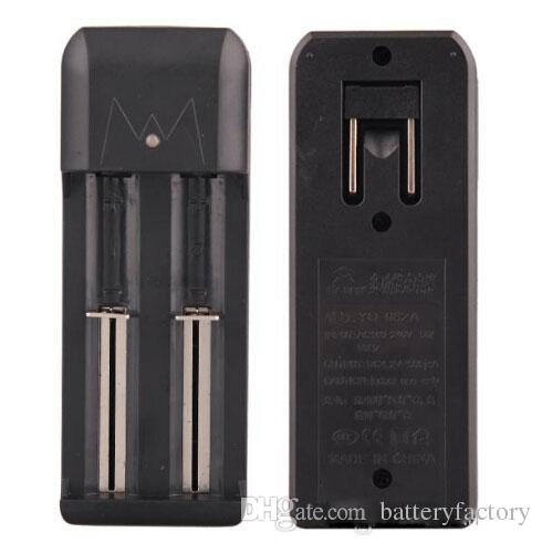 Caricabatteria doppio Caricabatteria doppio slot universale Caricabatterie 18650 18350 Batteria ricaricabile agli ioni di litio tramite dhl