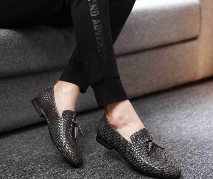 Новое поступление мужская повседневная мокасины классическая обувь кисточкой италия стиль человек возвращение домой свадебные туфли деловая кожаная обувь 246