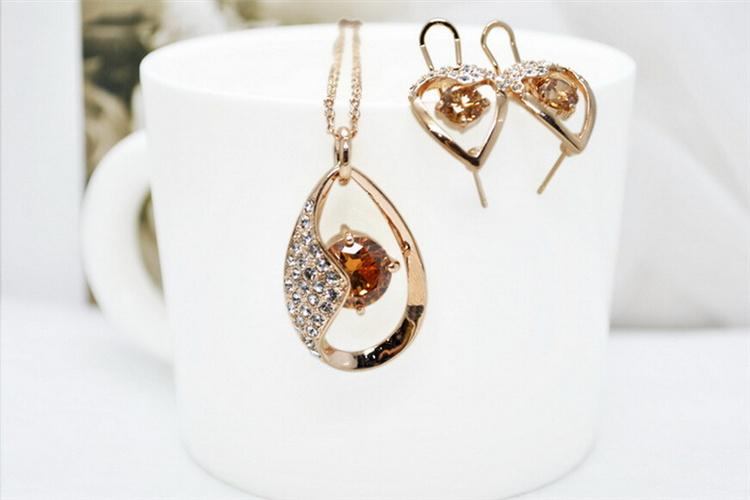 Fashionable Necklace Set for Wedding Crystal Material Stud Earrings Sets for Ladies Cheap Necklace and Earrings Sets G075