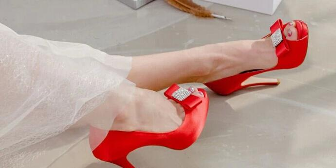 Top Quality Crystals Wedding Shoes 9.5cm High Heel Bridal Shoes Custom Made Ivory/Red Party Women Shoes For Wedding