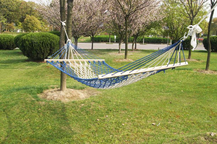2018 Luxury 1 Person Portable Outdoor Garden Hammock Swing Hammock Mixed  Color 1 Person Cotton Rope Swing Garden Bed From Featherwing, $40.21 |  Dhgate.Com