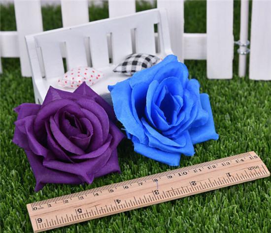 100ピース人工ローズフラワーヘッド14色シルク牡丹ヘッドプラスチック椿結婚披露宴の家の装飾的な花