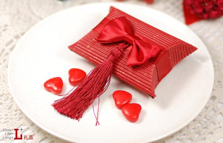 O envio gratuito de 50 pçs / lote caixa de doces borlas caixa de presente de casamento, suporte mix mix caixa de embalagem de presente de doces