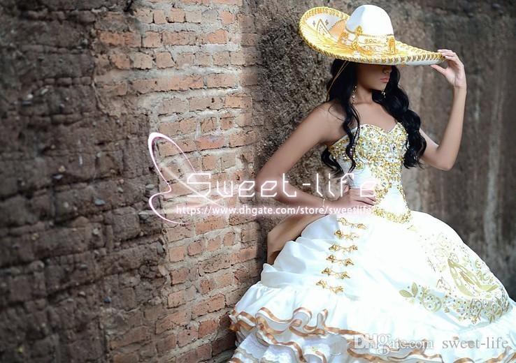 Vintage 2017 Ball Gown Quinceanera dresses Sweetheart Beaded Collar Embroidery sleeveless Zipper Peplum rom debutante Custom Made dresses