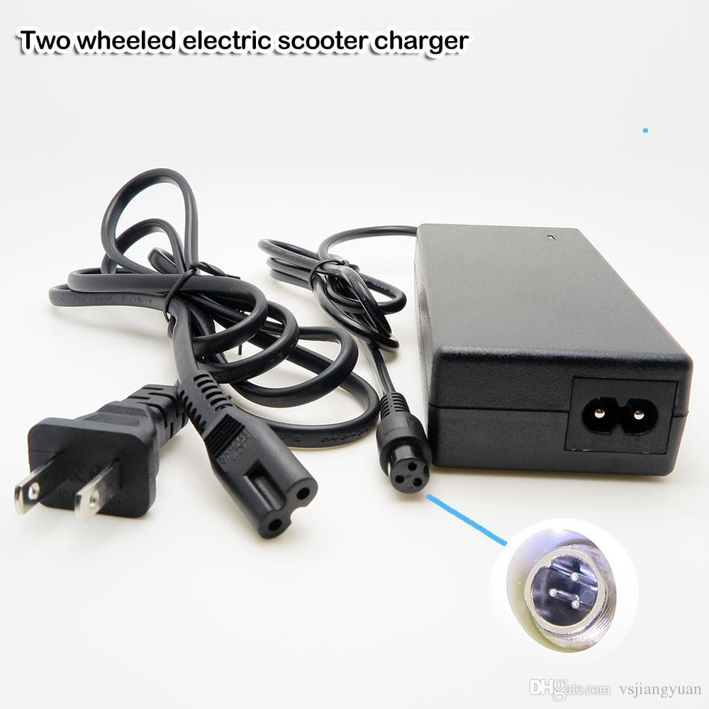Sıcak satış 220 V 2A Elektrikli Scooter için Güç Adaptörü Şarj Akıllı Iki Tekerlek Kendini Dengeleme Elektrikli Unicycle Elektrikli Scooter Adaptörü