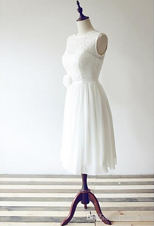 Personalizado feito uma linha colher knee-comprimento chiffon e lace sem mangas zíper volta vestido de dama de honra curta