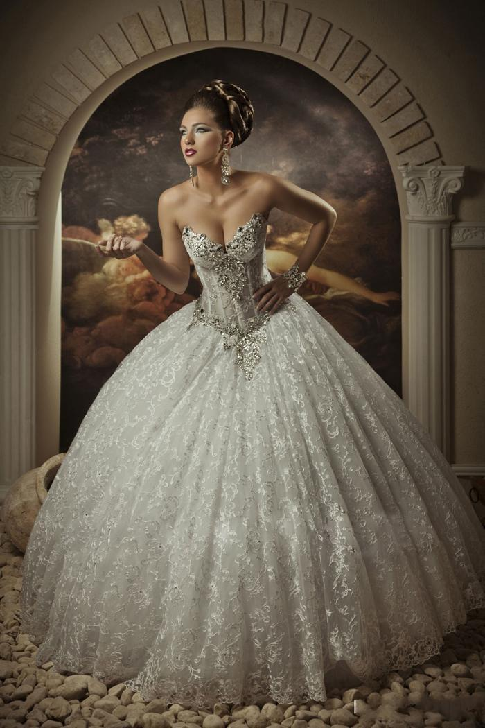Royal Dramatic Wedding Dresses 2015 Sweetheart Ball Gown Lace