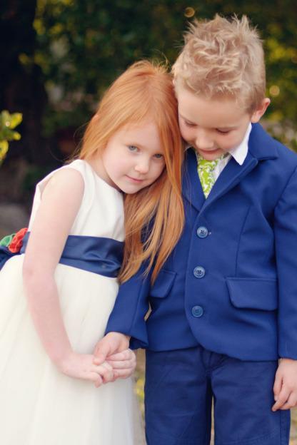 Most Fresh Ballkleid Jewel Long White Elfenbein Tüll Blumenmädchen Kleid mit handgefertigten Blumen Neue Ankunft Günstige Hochzeit Weihnachtskleider