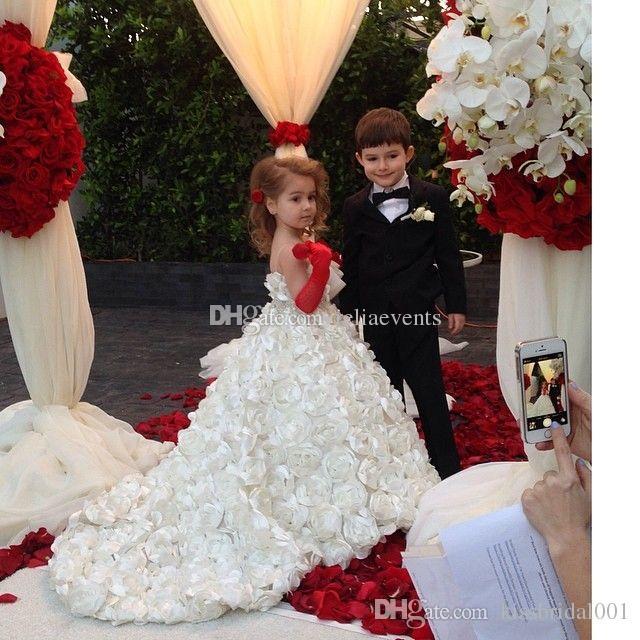 Wedding Flower Girls Dresses For Beach Full Handmade Flowers Princess Ball Gowns Lovely Girls Pageant Dress