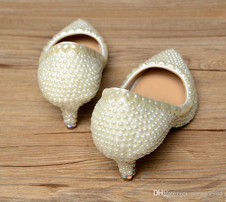 Lüks Zarif Fildişi İnci Düğün Parti Dans Ayakkabıları Gelin Ayakkabıları Sivri Burun Yavru topuklu ayakkabılar Kadın Bayan Elbise Ayakkabı
