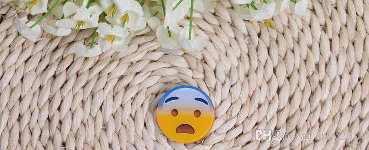 Pretty Bebek emoji broş Reçine Gülen Yüz Broş Pin Hediye Unisex İfade rozeti giyim aksesuarları çanta aksesuarları ücretsiz kargo