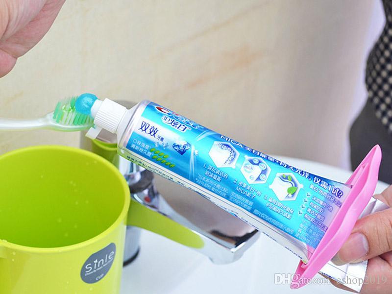 Apressado Utensílios De Cozinha Criativos Pcs Sexy Hot Lip Beijo Tubo Dispenser Creme Dental Creme Espremedor Venda Frete grátis