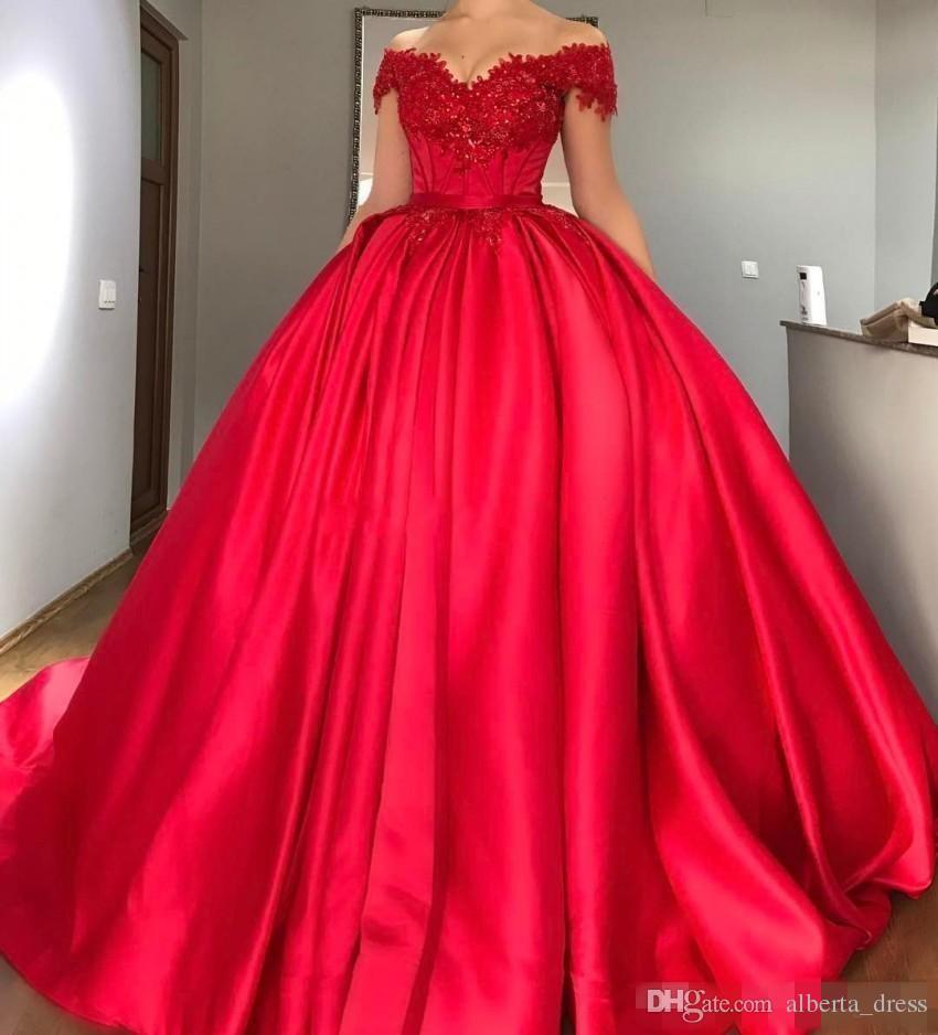Modest Fora Do Ombro Vestido de Baile Vermelho Quinceanera Vestidos Apliques de Cetim Frisado Espartilho Rendas Até Vestidos de Baile Doce Dezesseis Vestidos