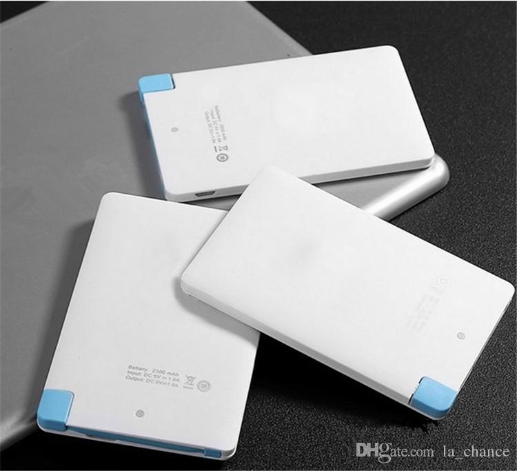 2600mah Banque de puissance de carte de crédit ultra mince 2500mAh USB Promotion PowerBank avec câble de secours intégré Backup Super Light Super