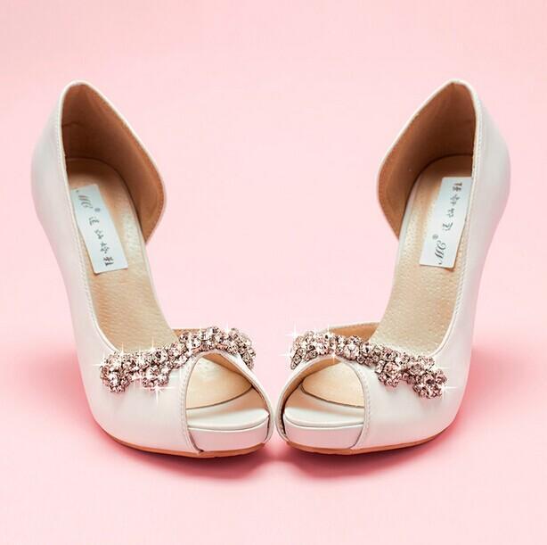 Livraison gratuite Nouveau Sexy De Luxe À La Main Ivoire Strass Chaussures De Mariage À Talons Hauts Chaussures De Mariée Peep Toe Fille Robe De Soirée Chaussures