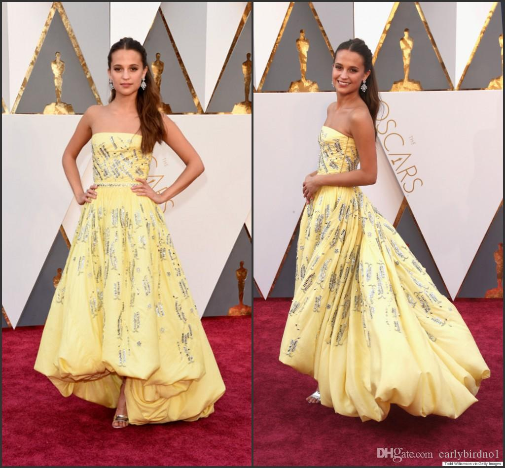 2016 88e Oscar Celebrity Dresses Alicia Vikander Jaune Sans Bretelles Taffetas Haut Avec Perles Paillettes Une Ligne Robes De Tapis Rouge