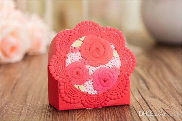 Romantic Lace Wedding Gift Box Elegant pink /red Luxury Decoration Laser Cut Party Sweet Favors Guest Gift Wedding Paper Candy Boxs THZ169