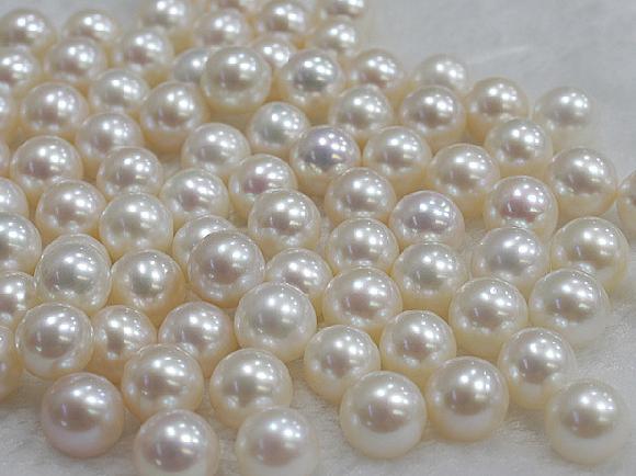 0abf92aa9894 Compre Venta Al Por Mayor De 7 8mm Perla Natural Blanca Círculo Perfecto  Medio Agujero Granos Sueltos 0296 A  9.15 Del Yangyang63450