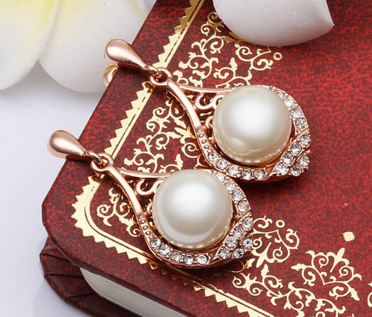 Collar de perlas Pendientes Conjuntos Hueco y elegante Conjunto de joyas de oro boda Collar de diamantes de imitación de cristal Conjunto G100