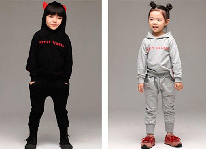 Vinter koreanska barn TRACKSUIT THIKCEN Lägg till ullflaskor Hoodies + Pants Kids Suit Halloween Baby Boy Girl Party Clothing Set WD308