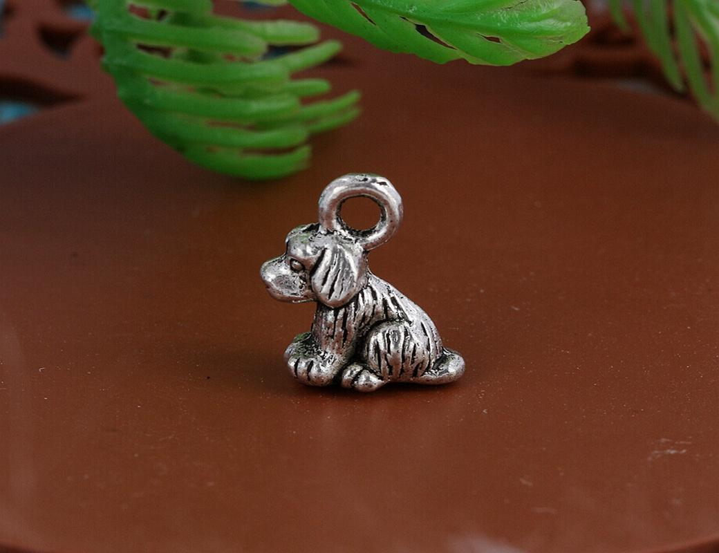 Vintage Silver Sit Dog Charms Pendants For Women Dress Bracelet Necklace Fashion Jewelry Alloy Making Gifts New DIY Accessories A50