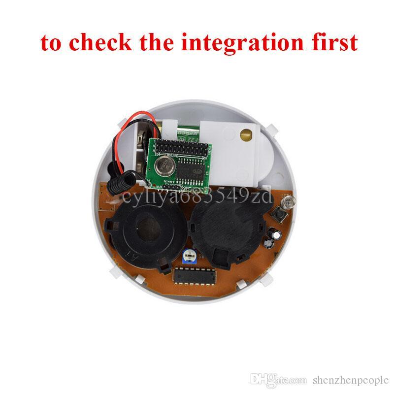 9V Pil ile Beyaz Kablosuz Duman Dedektörü Sistemi Yüksek Güvenlik Duyarlı Yangın Alarm Sensörü Ev Güvenlik Tespit için Uygun Kumandalı