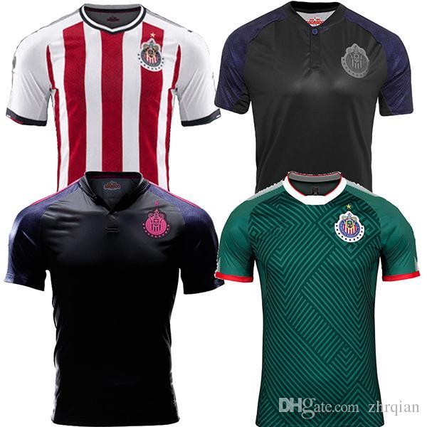 da1ada7b5d Compre 17 18 México Chivas Guadalajara Camisa De Futebol 2017 2018 Chivas  Terceira Versão Verde Rosa Camiseta De Futbol BRIZUELA GULLIT Camisa De  Futebol De ...