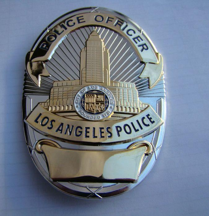 The Losangeles /Los Angeles police badge /LAPD / copper metal badge badge