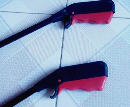 New Arrive Long Reach Extend Arm Helping Hand Pick-Up Tools Gripper Claw Reacher Grabber