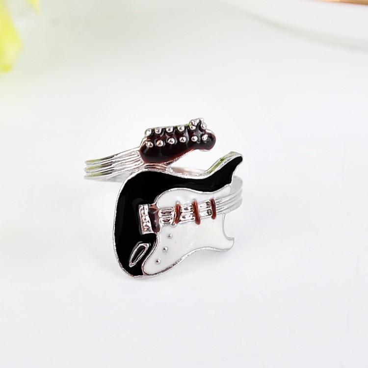 Mujeres Hombres Anillo Joyería Estilo Punk Bright Colorful Glazed Guitar Ring Anillo de los amantes Anillos de pareja Anillos de dedo Bague Fashion Jewellry Mejor regalo