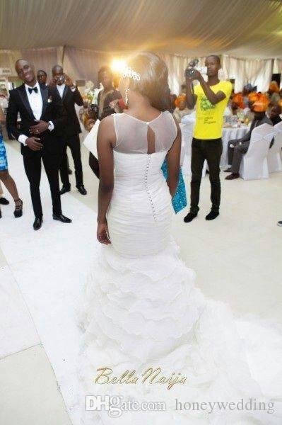 2016 Sexy Plus Size Vestidos De Casamento Com Sheer Jewel Pescoço Apliques de Plissado Ruffles Organza Sereia Train Trem Capela Vestidos de Noiva Custom Made