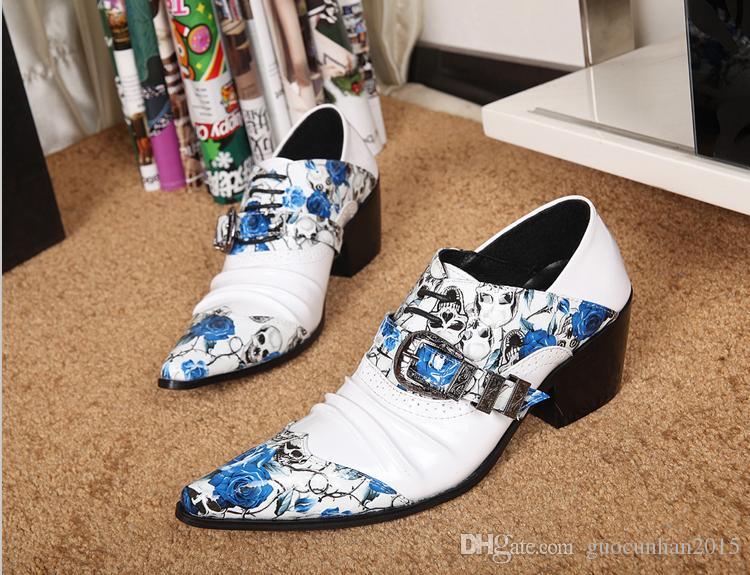 2016 Nova Chegada de Couro Genuíno Dos Homens Sapatos Flores Crânio Impressões Fivela Masculina Oxfords Branco Preto Parte Do Casamento Sapatos Italianos Dedo Apontado Homem