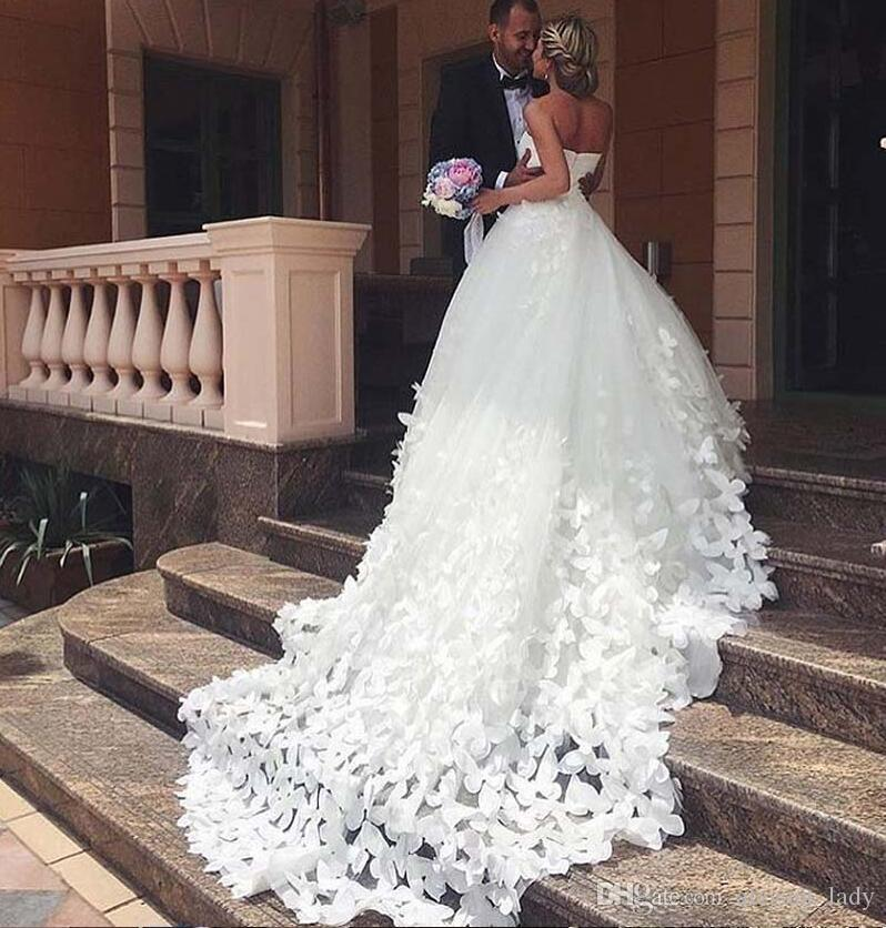 Hot Sale 3D Applique Butterfly Ball Gowns Wedding Dresses Sweetheart Plus Size cathedral train Long Bridal Dress For Bride