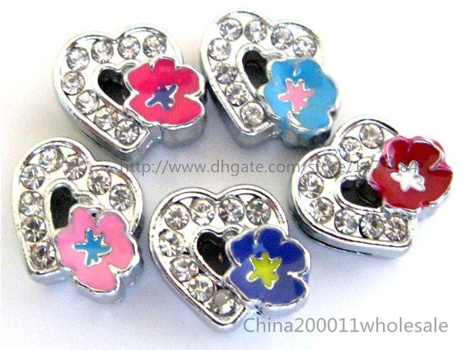 8mm Cuore con rose Charms per diapositive Fit to 8mm Pet Collars Braccialetti e portachiavi