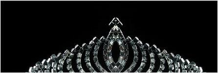 La mariée le dîner de mariage coiffe de la couronne royale cristal cheveux dressing robe complète robe cerceau cheveux performance va de pair avec une décoration