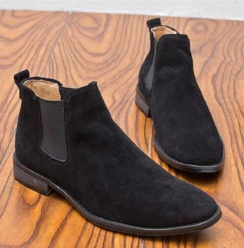 Acquista New Chelsea Boots Uomo Stivali Casual Punta A Punta Autunno Inverno  Mucca Pelle Scamosciata Stivali Maschili Short Tube Homme Scarpe Handsome  Gu38 ... 17b2632dafd